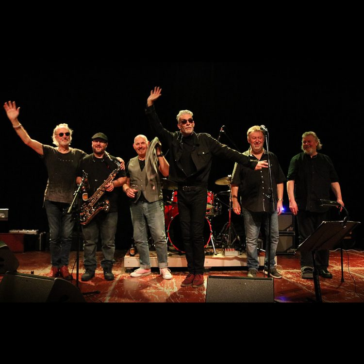 Climax Blues Band wave and smile as they thank fans after gig 2019